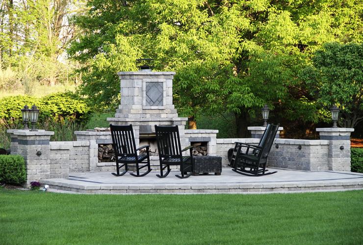 Outdoor Fireplace - Ann Arbor, Michigan